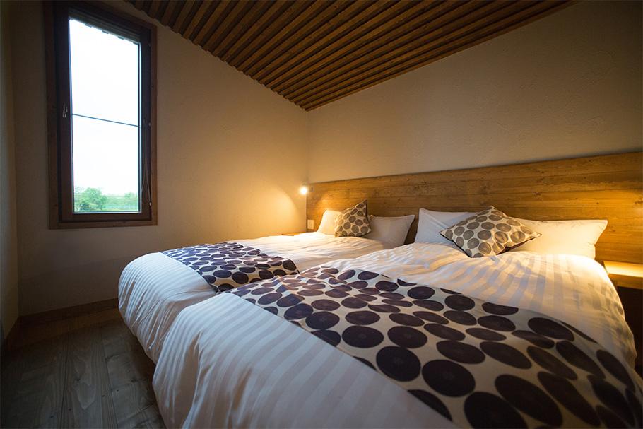 写真:宿泊棟の寝室