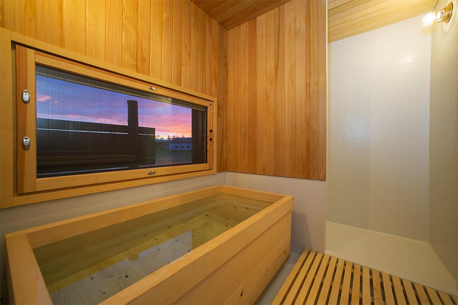 写真:宿泊棟の浴室